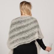 Étole ajourée tricotée main (vagues)