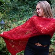 Étole ajourée tricotée main (losanges)