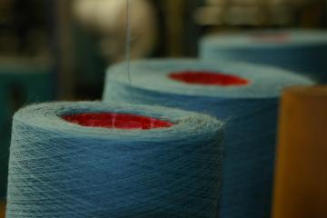 Le fil chaussettes sur cônes (18000m/kg)