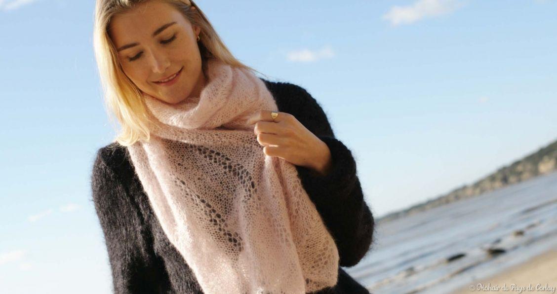 Etole à vagues rose crayeux Mohair du Pays de Corlay