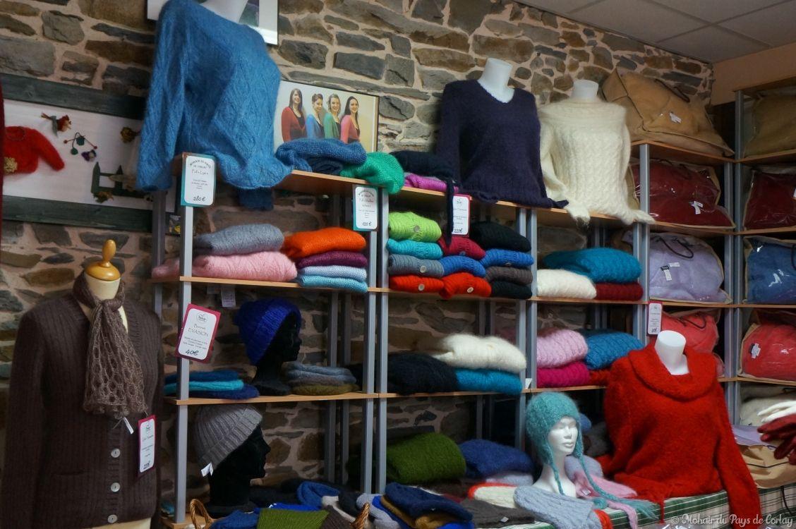 Pulls, gilets, couvertures, bonnets en mohair du Pays de Corlay