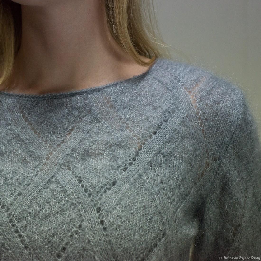 Pull tricot main en mohair et soie